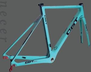 Le CBT Italia Necer Plus offre une ligne fluide et sportive.