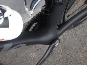 La boite de pédalier transmet parfaitement la puissance et le dynamisme du cycliste.