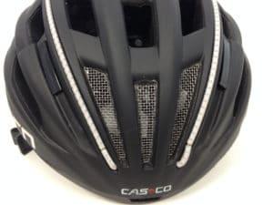 La grille de protection est un plus pour éviter l'intrusion d'un insecte dans le casque.