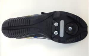 La semelle de la Look Touring permet de positionner une cale spécifique en deux parties.