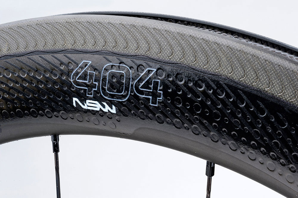 Les Zipp 404 NSW sont performantes et apportent un tempérament sportif à votre vélo.