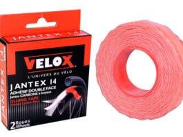 La bande adhésive Velox Jantex 14 est parfaite pour un collage rapide, propre et efficace.