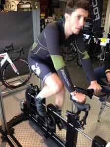 Le cycliste est capable de maintenir un effort soutenu pour permettre une analyse correcte.