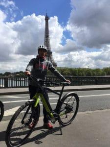 Un passage par la Tour Eiffel est obligatoire quand on visite Paris. Merci à notre guide.