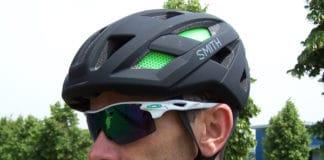 Le casque Smith Route peut facilement s'associer à votre tenue.