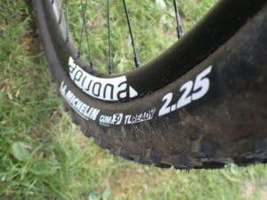 Michelin Force XC : un peu dur à faire claquer.