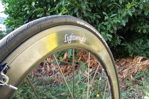 Plat ou vallonné ça passe en dosant son effort avec les Lightweight Fernweg 60c.