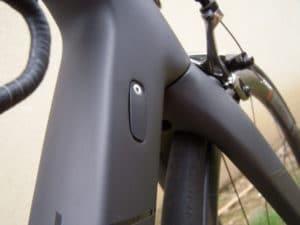 Les butées sont interchangeables pour basculer d'une version mécanique à l'électrique Sram ou Shimano)
