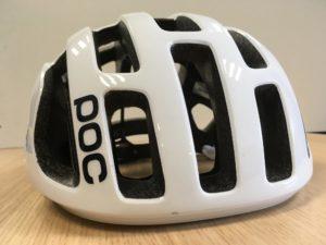 Le casque vélo Poc Octal présente des grosses ouvertures pour un maximum de ventilation.