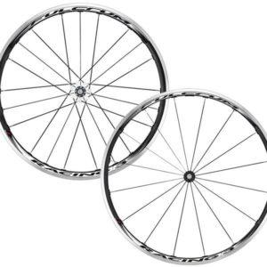 Les roues vélo route Fulcrum Racing 3 sont fiables, robustes et esthétiques.