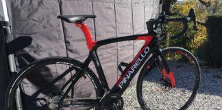 Le vélo route Pinarello Nytro est un vélo de course à assistance électrique.