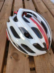 La coque du casque Aeroshell permet de fermer les aérations. Pratique quand le froid ou la pluie sont au rendez-vous.