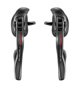 Les poignées sont ergonomiques et permettent une indexation rapide et précise.©Campagnolo