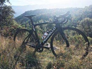Le Pinarello F10 X-Light est donc le vélo le plus exceptionnel de la gamme italienne. Un essai inoubliable !
