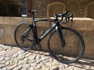Un beau vélo bien réglé est idéal pour progresser en vélo.