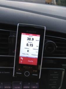 Même en voiture ce compteur peut vous aussi vous guider.