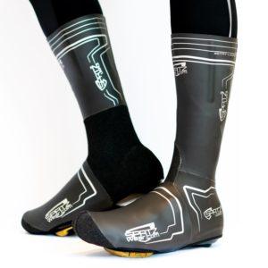 Les couvre-chaussures Spatzwear Legalz sont homologués pour les compétitions. ©Spatzwear