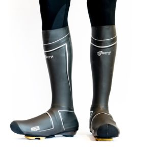 Les couvres-chaussures Spatzwear Pro sont haut pour une protection maximale. ©Spatzwear