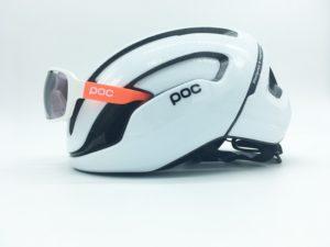 Le casque Poc Omne Air Spin s'associe parfaitement avec les lunettes de la marque.