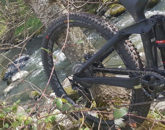 Le pneu VTT Hutchinson Griffus est polyvalent et très accrocheur.