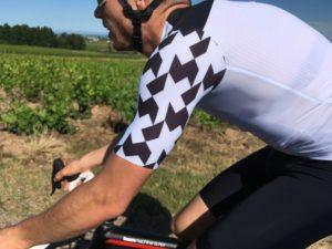 Le maillot Assos Equipe RS Aero est comme une seconde peau, avec des poches !