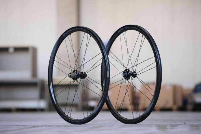 Les roues vélo Campagnolo Bora WTO 33 sont légères et dynamiques.©Campagnolo