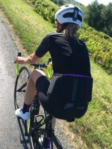 Le maillot Assos Dyora RS tient parfaitement en place. En plus il est élégant !