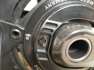La recharge du capteur de puissance Power2max se fait par cette prise.