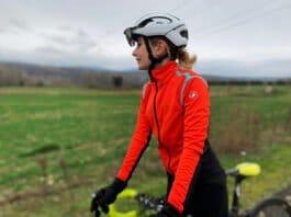 La veste vélo Castelli femme Alpha RoS est parfaite en hiver et mi-saison.
