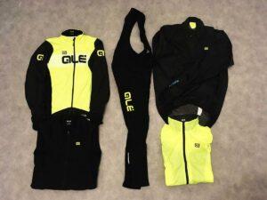 Voici la tenue Alé Cycling complète pour passer l'hiver.
