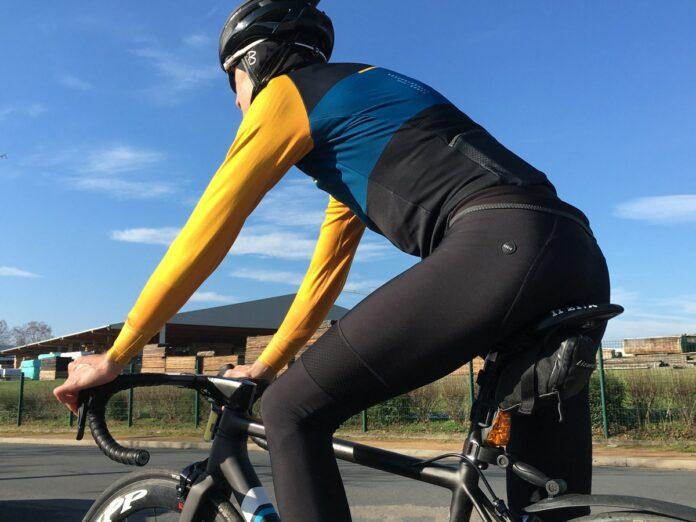La tenue vélo Gobik s'offre une identité visuelle marquée.