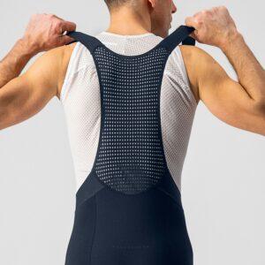 Le dos est parfaitement maintenu, rien de bouge et c'est agréable à l'effort.©Castelli