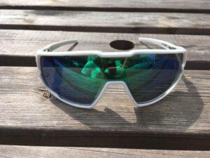 Les lunettes vélo Julbo Rush sont protectrices.