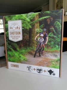 La selle vélo enfant Shotgun est complète et facile à installer.