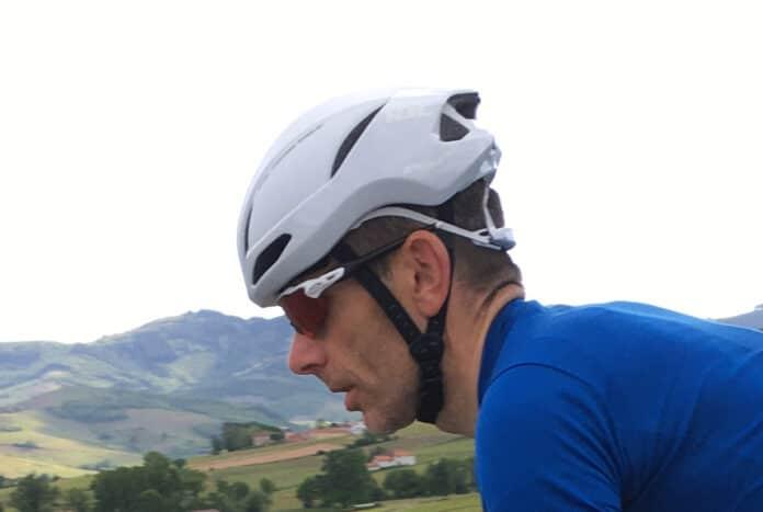 Le casque vélo route HJC Furion 2.0 est léger et aérodynamique.
