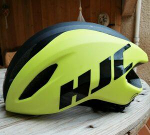 Le casque HJC Valeco est esthétique et aérodynamique.