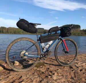 Voici le vélo d'Aurélien pour le test des sacoches vélo Bikepacking Topeak.©AL