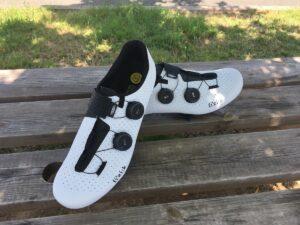 Le revêtement spécifique des chaussures Fizik Stabilita apporte une excellente respirabilité par temps chaud, c'est agréable.