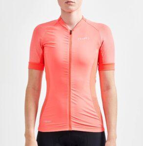 Le maillot femme Craft dispose d'un tissu qui se montre confortable.©Craft