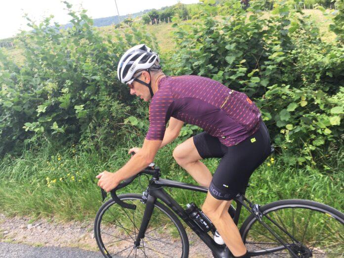 La tenue Alé Cycling été Green est parfaite pour vos sorties estivales.