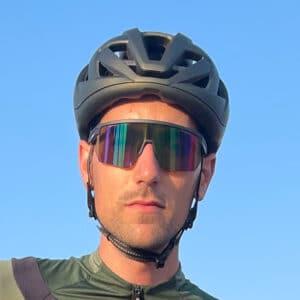 L'ensemble casque et lunettes Zerorh+ est polyvalent et technique.