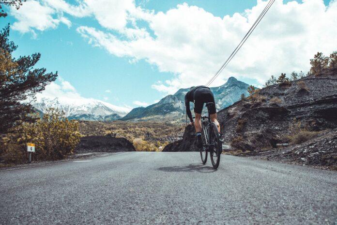 Les meilleurs pneus vélo Tubeless roulent toute l'année.©Hutchinson
